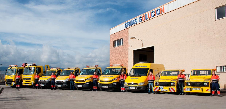 Equipo y flota de asistencia en carretera de Grúas Solución